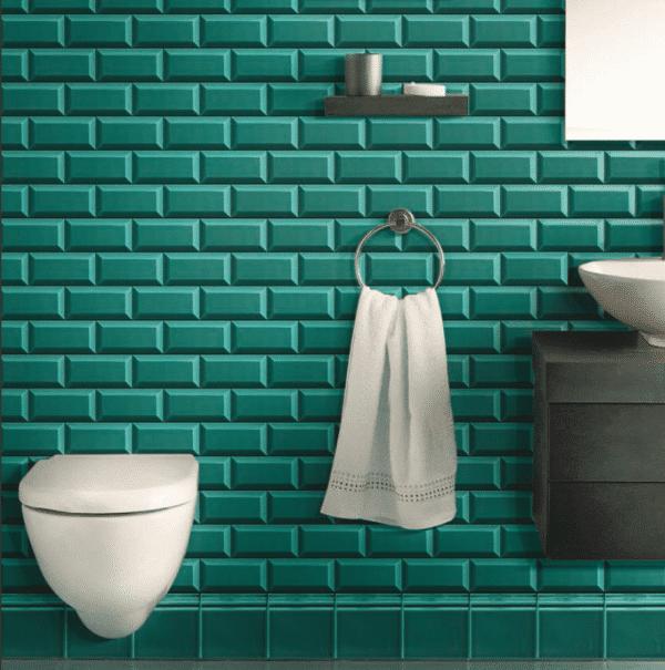 Carrelage metro couleur turquoise salle de bain toilettes