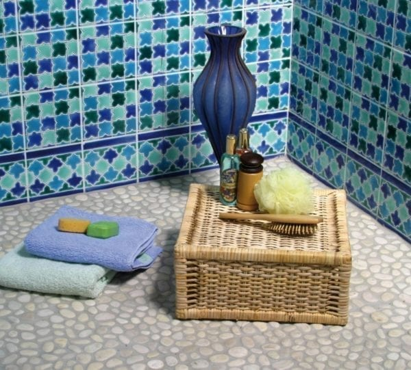 Carrelage galets déco de Bali pour salle de bain ou jardin