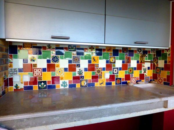 Carrelage mexicain Colibri Azulejos - réalisation crédence Cuisine