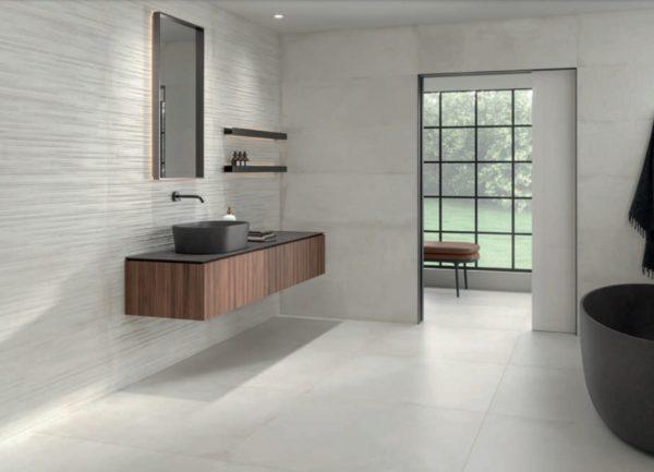 Carrelage imitation ciment Keratile STONEAGE - sol WHITE 100x100cm, mur WHITE 40x120cm et décor STICK WHITE 40x120cm