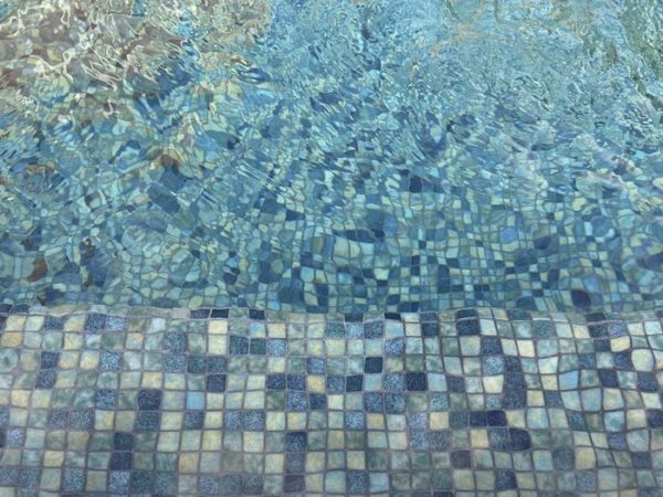 Mosaïque effet piscine Pierre de Bali - Reviglass PARADISE STONES coloris GREEN BALI