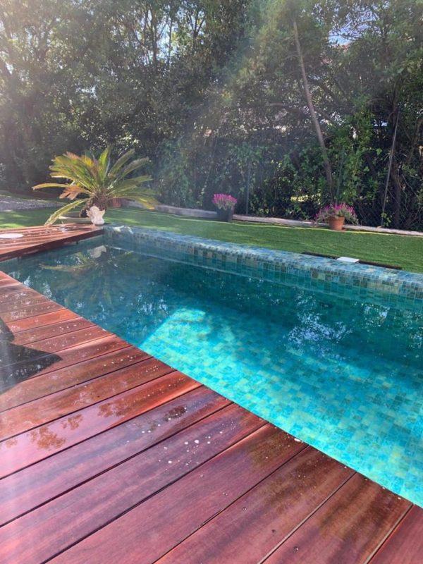 Mosaïque effet piscine Pierre de Bali - Reviglass PARADISE STONES coloris NATURAL SANDY BALI