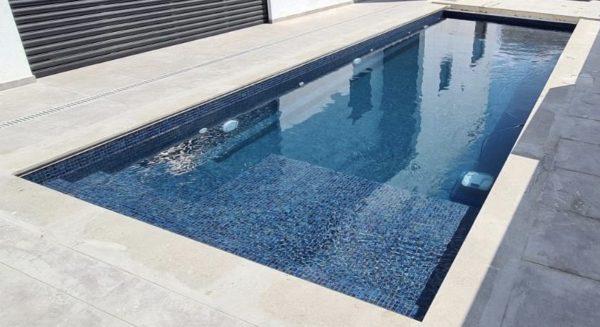Mosaïque effet piscine Pierre de Bali - Reviglass PARADISE STONES coloris ZAFIRO